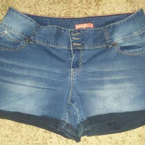 YMI Jean Shorts Size 18